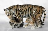 "Арт-студия ""Кентавр"" -  Фарфоровая статуэтка ""Тигрица с тигрятами"" №011785"