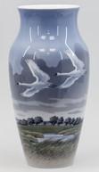 """Арт-студия """"Кентавр"""" - Антикварная ваза с изображением лебедей №013755"""