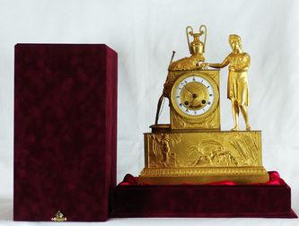 """Арт-студия """"Кентавр"""" - Антикварные часы с боем в стиле ампир  """"Пастушка, кормящая овечку"""" №010224"""