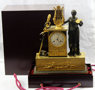 """Арт-студия """"Кентавр"""" - Cтаринные каминные часы с боем """"Эвтерпа - покровительница музыки"""" №010237"""