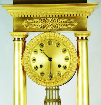 """Арт-студия """"Кентавр"""" - Часы каминные в стиле классицизм №010578"""
