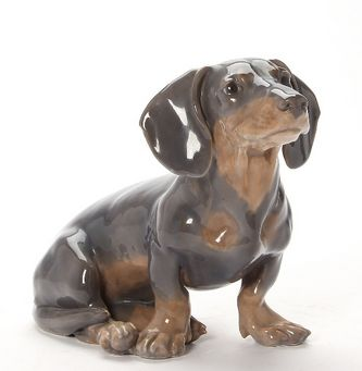 """Арт-студия """"Кентавр"""" -  Фарфоровая статуэтка собаки породы такса. №011103"""