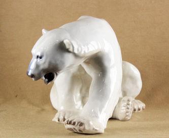 """Арт-студия """"Кентавр"""" -  Фарфоровая статуэтка """"Сидящий белый медведь"""" №011765"""