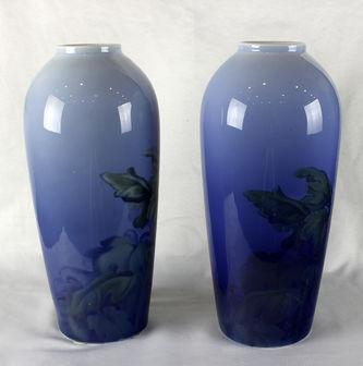 """Арт-студия """"Кентавр"""" - Большие парные вазы  в стиле модерн  с цветком хризантемы №012291"""