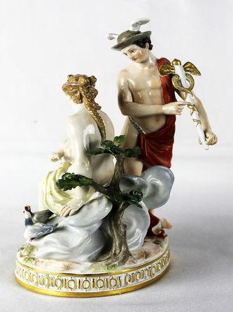 """Арт-студия """"Кентавр"""" - Статуэтка """"Обручение Купидона богом торговли Меркурием и богиней красоты Венерой"""" №012611"""