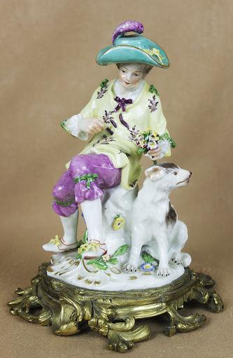 """Арт-студия """"Кентавр"""" - Статуэтка """"Юноша с собакой"""". Модель Иоганна Иоахима Кендлера (Johann Joachim Kaendler, 1706-1775гг.) №013025"""