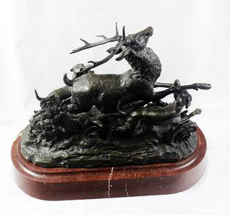 """Арт-студия """"Кентавр"""" - Бронзовая скульптура """"Олень, атакованный  тремя собаками"""" 1880-е годы №013103"""