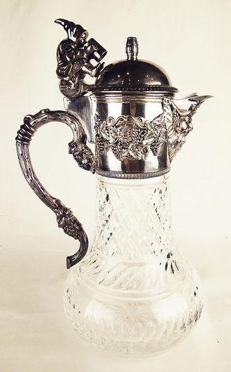 """Арт-студия """"Кентавр"""" - Серебряный кувшин для вина, украшенный фигуркой монаха, виноградной лозой и маской Бахуса №013825"""