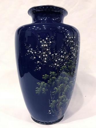 """Арт-студия """"Кентавр"""" - Японская ваза с изображением птиц в цветущем кустарнике в технике клуазоне №013844"""