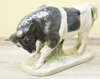 """Арт-студия """"Кентавр"""" - Фарфоровая статуэтка """"Атакующий бык"""" №014012"""