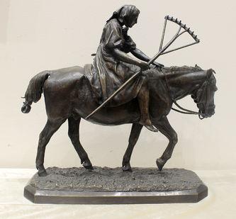 """Арт-студия """"Кентавр"""" - Бронзовая скульптура """"Крестьянка с граблями на лошади"""" №014326"""
