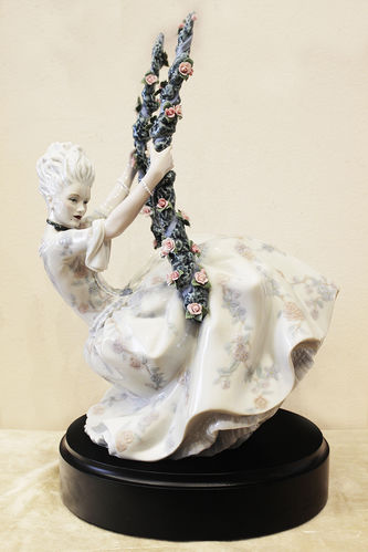 """Арт-студия """"Кентавр"""" - Фарфоровая статуэтка """"Дама рококо на качелях"""" №014419"""