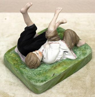 """Арт-студия """"Кентавр"""" - Фарфоровая статуэтка """"Детские забавы"""" №014972"""