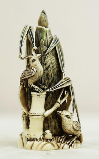 """Арт-студия """"Кентавр"""" - Окимоно в виде флакончика с ложечкой с попугаями на початках кукурузы №014985"""