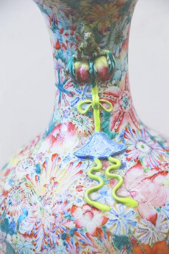 """Арт-студия """"Кентавр"""" - Ваза китайская с цветами и ручками в виде яблоневых ветвей №015355"""