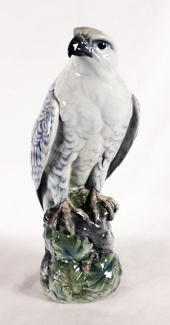 "Арт-студия ""Кентавр"" - Антикварная статуэтка ""Ястреб"", скульптор Peter Herold (1879 - 1920) №009468"